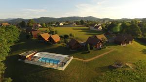 Location gîte, chambres d'hotes Team Holiday - Domaine des Monts du Mâconnais dans le département Saône et Loire 71