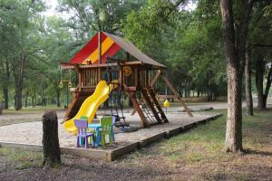 Peach Cabin, Chaty v prírode  Fredericksburg - big - 10