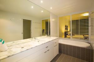 Ultra Broadbeach, Resorts  Gold Coast - big - 17