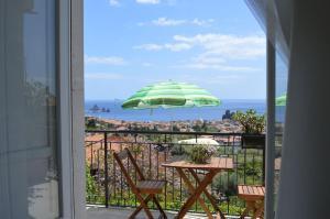 Pupi Catania Etna B&B, Bed & Breakfast  Aci Castello - big - 3