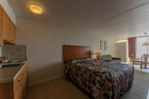 Waikiki Oceanfront Inn, Motely  Wildwood Crest - big - 59