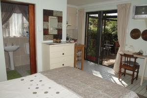 A1 Kynaston Accommodation, Bed and Breakfasts  Jeffreys Bay - big - 168