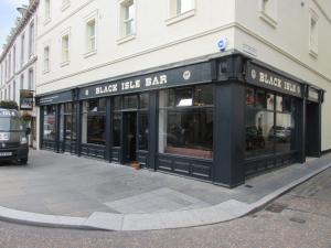 Albergues - Black Isle Bar & Rooms