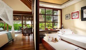 Four Seasons Resort Maldives at Kuda Huraa (9 of 44)
