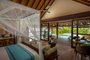Four Seasons Resort Maldives at Kuda Huraa (15 of 44)