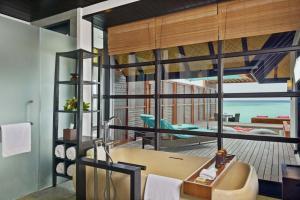 Four Seasons Resort Maldives at Kuda Huraa (25 of 44)