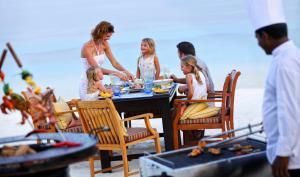Four Seasons Resort Maldives at Kuda Huraa (12 of 44)