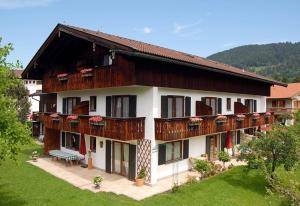 Penzion Gästehaus Maier zum Bitscher Rottach-Egern Německo