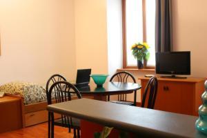 Residence Villa Odescalchi - AbcAlberghi.com