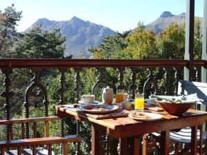 Intaba Lodge - Llandudno