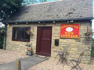 Ringinglow Toy Cottage - Fulwood