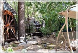 Castle Wood Theme Cottages- COUPLES ONLY, Hotels  Big Bear Lake - big - 71