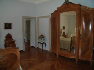 La Villa del Lago, Bed and breakfasts  Ghirla - big - 64
