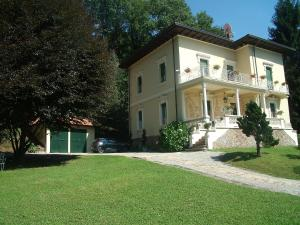 La Villa del Lago, Bed and breakfasts  Ghirla - big - 66