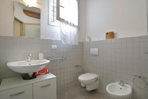 Massarenti 3 Levels Apartment, Ferienwohnungen  Bologna - big - 5