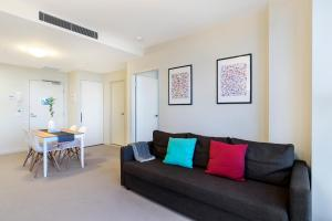 Studio# on Collins, Апартаменты  Мельбурн - big - 4
