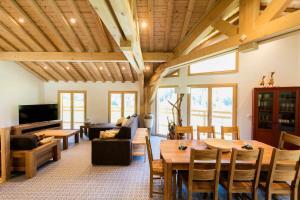 Location gîte, chambres d'hotes Chalet Les Amis dans le département Savoie 73