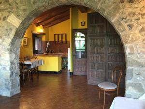 Mas Pardas, Ferienhäuser  Santa Pau - big - 7
