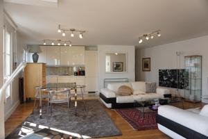Apartment Rue de la Chaussee dAntin Paris 9