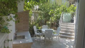 Apartment Grozdanić, Apartmány  Tivat - big - 20
