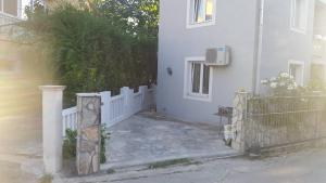Apartment Grozdanić, Apartmány  Tivat - big - 29
