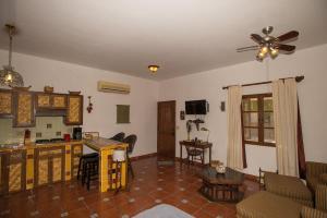 Studio Cilantro by Villa Santo Niño, Apartmanok  Loreto - big - 13