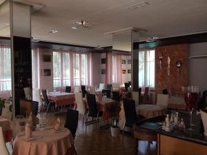 Dortoir Maison Monsieur, Hostely  La Chaux-de-Fonds - big - 16