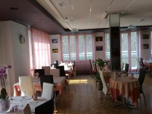 Dortoir Maison Monsieur, Hostely  La Chaux-de-Fonds - big - 17