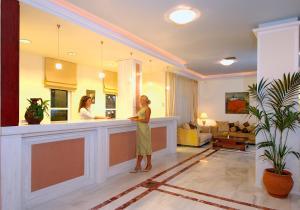Selini Suites, Hotely  Kolimvárion - big - 60