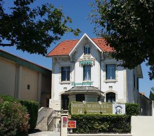 Location gîte, chambres d'hotes Hôtel Beausoleil dans le département Drôme 26