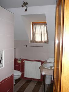Ciklámen apartman, Appartamenti  Gyenesdiás - big - 27
