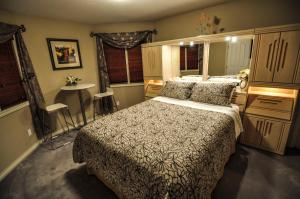 Cornerstone Bed and Breakfast - Accommodation - Revelstoke