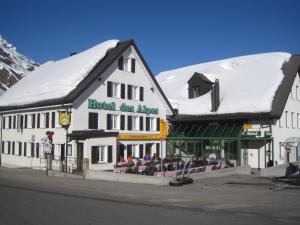 Hotel des Alpes.  Photo 1