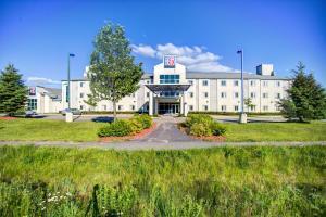 Motel 6-Huntsville, ON