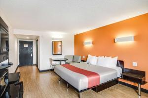 Motel 6 Carson, Hotels  Carson - big - 5