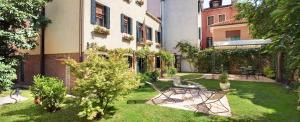 Casa Rezzonico - AbcAlberghi.com