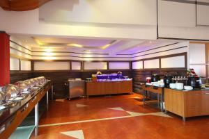 Hotel Park Residency, Kakkanad, Hotel  Kakkanad - big - 13