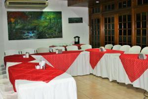 La Posada del Arcangel, Bed & Breakfasts  Managua - big - 98