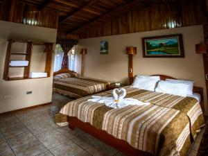 Triple Room with Shower Monteverde Rustic Lodge