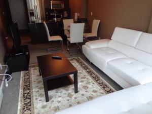 Regal Suites, Apartments  Calgary - big - 4