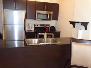 Regal Suites, Apartments  Calgary - big - 6