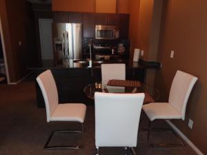 Regal Suites, Apartmány  Calgary - big - 7