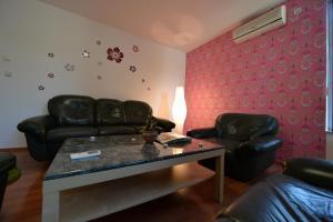Apartment Lipov Gaj, Apartmány  Novi Sad - big - 1