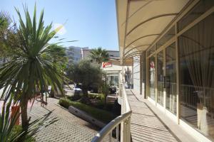Aragosta Hotel & Restaurant, Szállodák  Durrës - big - 58