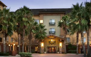 Larkspur Landing Folsom-An All-Suite Hotel
