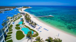 Wyndham Reef Resort, Grand Cayman - Half Moon Bay