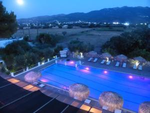 Blue Nest Hotel, Hotel  Tigaki - big - 37
