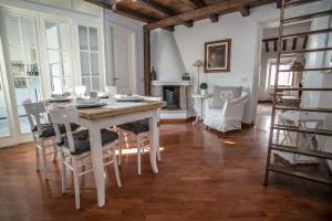 Magenta Luxury Cappellari 41 - abcRoma.com