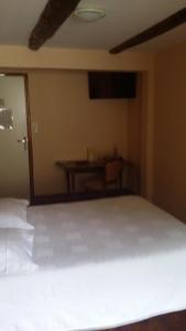 Hôtel des Voyageurs, Hotels  Ferrières-Saint-Mary - big - 17