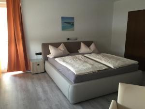 Hotel M&S garni - Burgheim